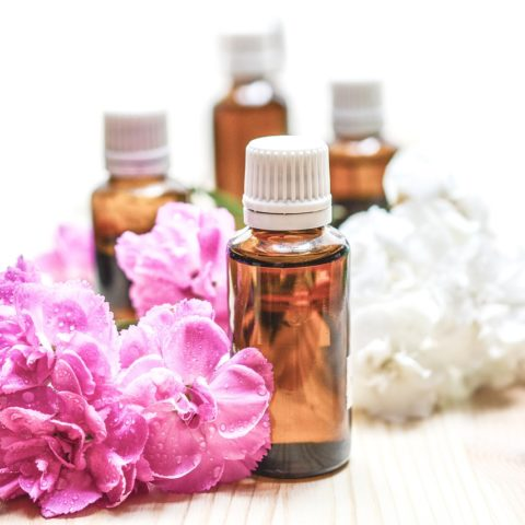 essential-oils-1851027_1280